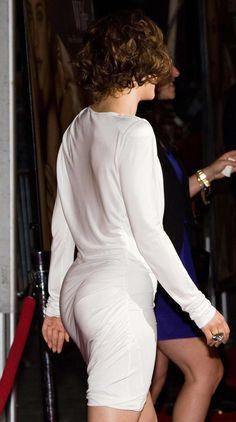 Rachel McAdams booty in a little white dress
