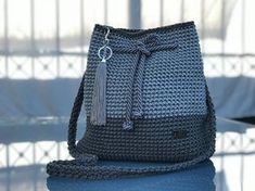 De 0 á Se Gostou Clique no ❤ Siga nosso perfi This post was discovered by Ni Crochet backpack pattern inspiration / crochet bag from t-shir yarn - Salvabrani Items similar to Everyday love on Etsy Crochet Handbags, Crochet Purses, Crochet Yarn, Crochet Backpack Pattern, Yarn Bag, Macrame Bag, T Shirt Yarn, Knitted Bags, Crochet Accessories