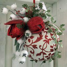Palla in Boccio 1st Christmas, Christmas Tree Ornaments, Christmas Holidays, Christmas Wreaths, Christmas Crafts, Christmas Decorations, Xmas, Seasonal Decor, Holiday Decor