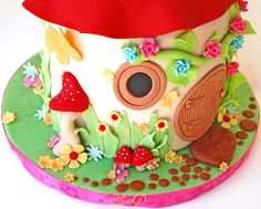 Toadstool House Cake by ~Très Chic Cupcakes by ShamsD~, via Flickr 4th Birthday Cakes, Fairy Birthday Party, Fairy Castle Cake, Castle Cakes, Woodland Cake, Woodland Party, Toadstool Cake, Mushroom Cake, Best Cake Ever