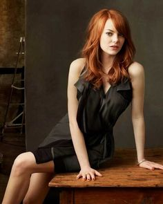 Emma Stone ( Seriously what could be hotter than a redhead in a lbd? Beautiful Redhead, Most Beautiful Women, Beautiful People, Gorgeous Hair, Actress Emma Stone, Non Plus Ultra, Actrices Sexy, Actrices Hollywood, Le Jolie