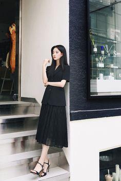 Stylish Dress Designs, Stylish Dresses, Korean Fashion Dress, Fashion Dresses, Black Button Up Shirt, Fashion Illustration Sketches, Designer Dresses, High Waisted Skirt, Girls Dresses