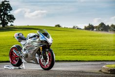 The Marvelous Norton V4 RR Is Out on the Prowl