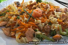 Salada de Salmão e Fusilli » Peixes e Frutos do Mar, Receitas Saudáveis, Saladas » Guloso e Saudável