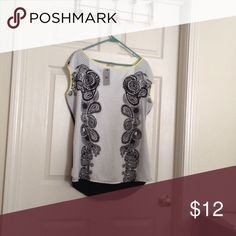 Printed blouse Printed blouse/yellow neck and sleeve trim Worthington Tops Blouses
