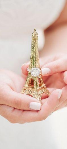 Wedding in Paris Wedding Themes, Our Wedding, Dream Wedding, Wedding Ideas, Parisian Wedding Theme, Wedding Favors, Purple Wedding, Party Wedding, Wedding Decor