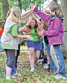 girl scout bridging ceremony ideas | ... kipp is welcomed to the cadette ranks during the bridging ceremony