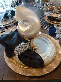 Stunning Shell Glamour, Gold & Crystal