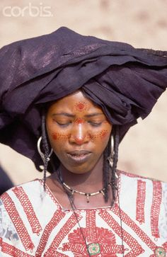 Africa | Tuareg Woman with Facial Adornments.  I-n-Gall, Agadez Region, Niger | © Tiziana and Gianni Baldizzone