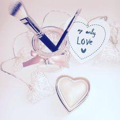 Dermo Blogg: Rozświetlacz I Heart Makeup marki Makeup Revolutio...