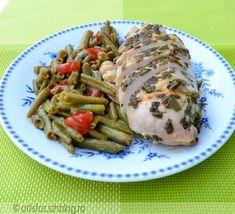 Zöld fűszeres csirkemell párolt zöldbabbal