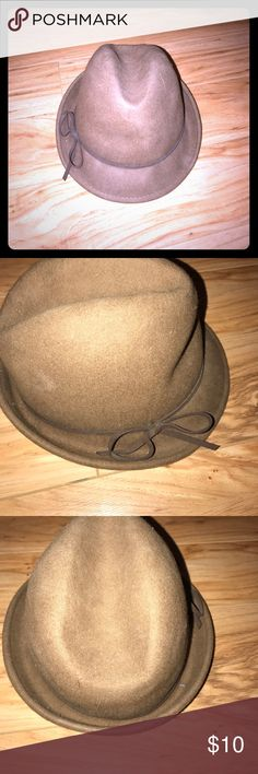 **SALE** Stylish brown fedora type hat Leather band with bow around base Accessories Hats