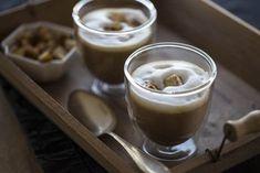 Die Maronensuppe ist die perfekte Vorspeise für ein Wintermenü. Diese cremige Variante wird Eure Gäste auf jeden Fall beeindrucken.