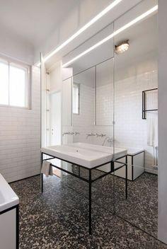 Terrazo Wall Bathroom Ideas - Home of Pondo - Home Design Bathroom Layout, Bathroom Sets, White Bathroom, Bathroom Interior, 1930s Bathroom, Seashell Bathroom, Colorful Bathroom, Industrial Bathroom, Modern Industrial