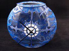 Blauwe klok met bakje gedecoreerd met van PolyGlassArt op Etsy polymerclay