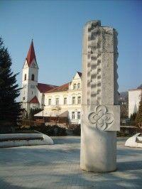 Trenčianske Teplice - kostol sv. Štefana Kráľa Cathedral, Tower, Mansions, House Styles, Building, Travel, Home Decor, Rook, Viajes