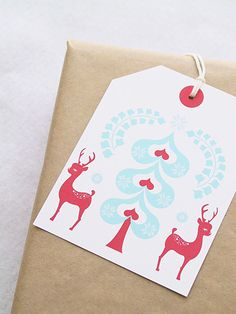 Jumbo Gift Tag | 51 Seriously Adorable Gift Tag Ideas - make them OVERsized