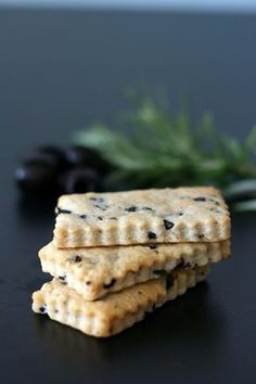 Recipe for Parmesan Shortbread, Olives and Rosemary - Cook & Gift - Appetizer Recipes, Dessert Recipes, Desserts, Tapas, Canned Blueberries, Vegan Scones, Food Porn, Scones Ingredients, Galletas Cookies