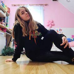 Teen, Graphic Sweatshirt, Sweatshirts, Sweaters, Life, Instagram, Fashion, Moda, Fashion Styles