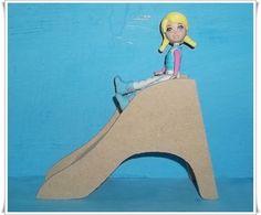 Miniatura feita em mdf, para decoração de cenario/roombox.  PRAZO DE ENVIO ATÉ 12 DIAS ÚTEIS DA CONFIRMAÇÃO DO PAGAMENTO    Obs:Boneca Polly não acompanha o produto R$ 4,41