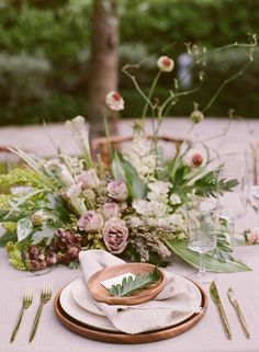 A chic interpretation of a tropical table setting!