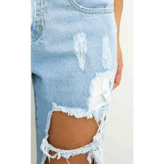 Django boyfriend jeans in blue ❤ liked on Polyvore featuring jeans, distressed jeans, high-waisted boyfriend jeans, boyfriend jeans, high-waisted jeans and ripped jeans