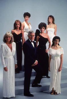 Still of Deborah Adair, Kathleen Beller, Pamela Bellwood, Joan Collins, John Forsythe, Linda Evans and Pamela Sue Martin in Dynasty