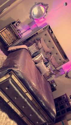 Teen Girl Bedrooms, decor info to acheive for a super vibrant room. Simply pop to the web link number 1202001399 right now for extra details. Glam Bedroom, Room Ideas Bedroom, Girl Bedroom Designs, Bedroom Themes, Home Bedroom, Bedroom Decor, Bedroom Inspo, Silver Bedroom, Teen Bedroom