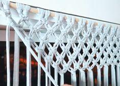 Latest Screen Macrame diy curtain Popular By: MetDaan Macrame Wall Hanging Patterns, Macrame Plant Hangers, Macrame Art, Macrame Design, Macrame Projects, Macrame Patterns, Macrame Knots, Quilt Patterns, Curtain Patterns