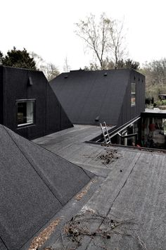 Roof House is a minimalist house located in Fredensborg, Denmark, designed by LETH & GORI. (4)