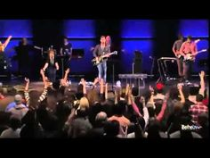 I love, love, love this song!!!!!!! Furious + Spontaneous Worship - Jeremy Riddle, Steffany Frizzell & Bethe...