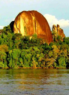 El Monumento natural Piedra del Cocuy es un espacio natural protegido y localizado en el municipio Río Negro, en el estado Amazonas, Venezuela.