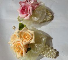 Corsage de flor de eva imortadas e pérolas