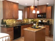 Dark Countertops With Honey Oak Cabinets.Oak Cabinets With Granite Countertops Absolute Black . Backsplash For White Cabinets, Oak Kitchen Cabinets, Brown Cabinets, Kitchen Cabinet Colors, Kitchen Paint, Kitchen Colors, New Kitchen, Gun Cabinets, Mosaic Backsplash