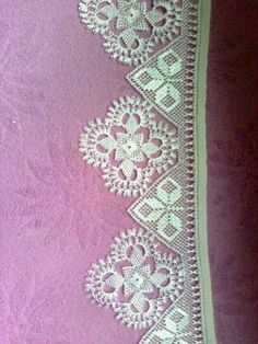 This Pin was discovered by Zej Picot Crochet, Crochet Baby Poncho, Crochet Dollies, Crochet Shell Stitch, Crochet Chart, Crochet Stitches, Doily Patterns, Cross Stitch Patterns, Knitting Patterns