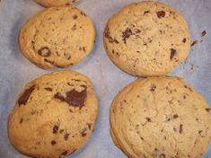 Μπισκότα Αμερικάνικα cookies, μαλακά και τραγανά με κομματάκια σοκολάτας Cookies, Biscuits, Muffin, Baking, Breakfast, Desserts, Food, Greek, Crack Crackers