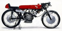 HONDA RC112 four stroke 50cc twin racer. 13ps/20,000rpm, Max speed 150km/h