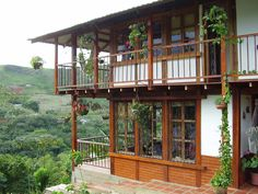 vacation home: Cali, Colombia. Village House Design, Home Building Design, Cubby Houses, House Deck, Hacienda Style, Country Landscaping, Cabins And Cottages, Best Places To Travel, Spanish Style