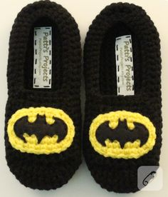A must have for all Batman fans! These super comfy slippers feature a double layered sole for added comfort and warmth. Elastic is stitched aroundBatman Inspired Children& Slippers by PattisProjects on EtsyBatman Inspired Slippers - Available in adul Crochet Slipper Boots, Crochet For Boys, Crochet Baby Booties, Crochet Slippers, Men's Slippers, Felted Slippers, Motifs Beanie, Crochet Batman, Knitting Patterns