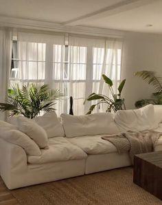 Home Living Room, Living Room Decor, Bedroom Decor, Dream Home Design, Home Interior Design, Aesthetic Room Decor, Dream Apartment, My New Room, House Rooms
