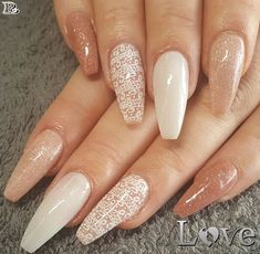 Nail designs acrylic coffin short pink beautiful 70 attractive acrylic coffin nails to try this fall Almond Acrylic Nails, Acrylic Nail Art, Acrylic Nail Designs, Trendy Nails, Cute Nails, My Nails, Pretty Nail Colors, Pretty Nail Designs, Broken Nails