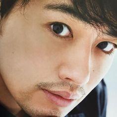 工くんの瞳👀❤️ 見ているだけで固まりそう。。笑笑😆 ドキドキ💓ドキドキ💓 F Cの時、目と目を合わせて握手🤝をしてくれたのも覚えているけど、夢のような記憶。 今回は果たして参加出来るのかどうか。。。 神様〜〜✨ 皆んなで参加出来るようお願いします〜〜😭 #斎藤工… Singer, Entertainment, Japanese, Actors, Japanese Language, Actor, Singers, Entertaining
