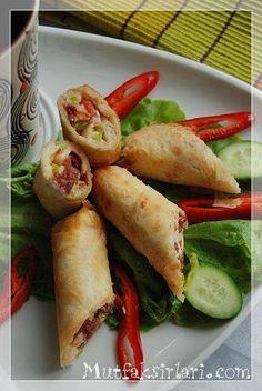 Paçanga Böreği Borek Recipe, Gourmet Recipes, Healthy Recipes, Fresh Coriander, Delicious Chocolate, Fish And Seafood, Japanese Food, Fresh Rolls, Food Print