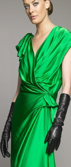 Julia Dunstall in Lanvin Leather Gloves | LBV ♥✤