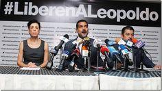 Leopoldo López demanda a Nicolás Maduro por el supuesto intento de homicidio en su contra - http://lea-noticias.com/2015/08/26/leopoldo-lopez-demanda-a-nicolas-maduro-por-el-supuesto-intento-de-homicidio-en-su-contra/