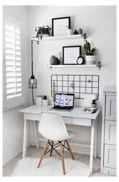 Bedroom Desk, Room Ideas Bedroom, Master Bedroom, Bed Room, Diy Bedroom, Bedroom Brown, Budget Bedroom, Bedroom Ceiling, Wood Bedroom