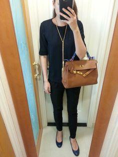 Hermes top, Zara pants, vintage necklace, Hermes Kelly 32 bag gold ...