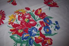 Thompson Pedigree vintage tablecloth with cloth by ABonnieTable