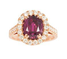 Hochwertiger Rubin-Diamant-Ring 18 kt. Roségold, gest. Der ovale Siam-Rubin im Kissenschliff ca. 3, — Schmuck & Armbanduhren