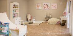 Love this newborn photography studio.